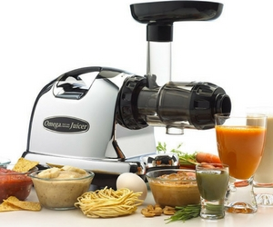 Omega Juicer Reviews - Featured Image