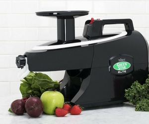 How Does A Masticating Juicer Work